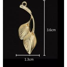 Подвеска-листья 3,6х1,3 см